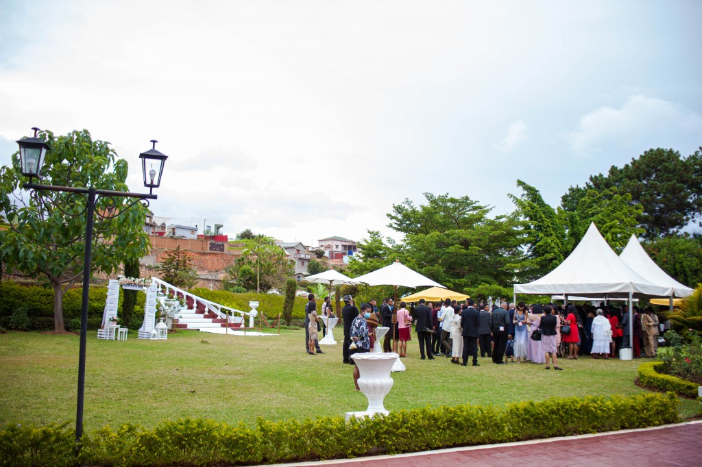 Cocktail de bienvenue-espace-colonnades-Mariage-tahiana&kanto-photosary (9)