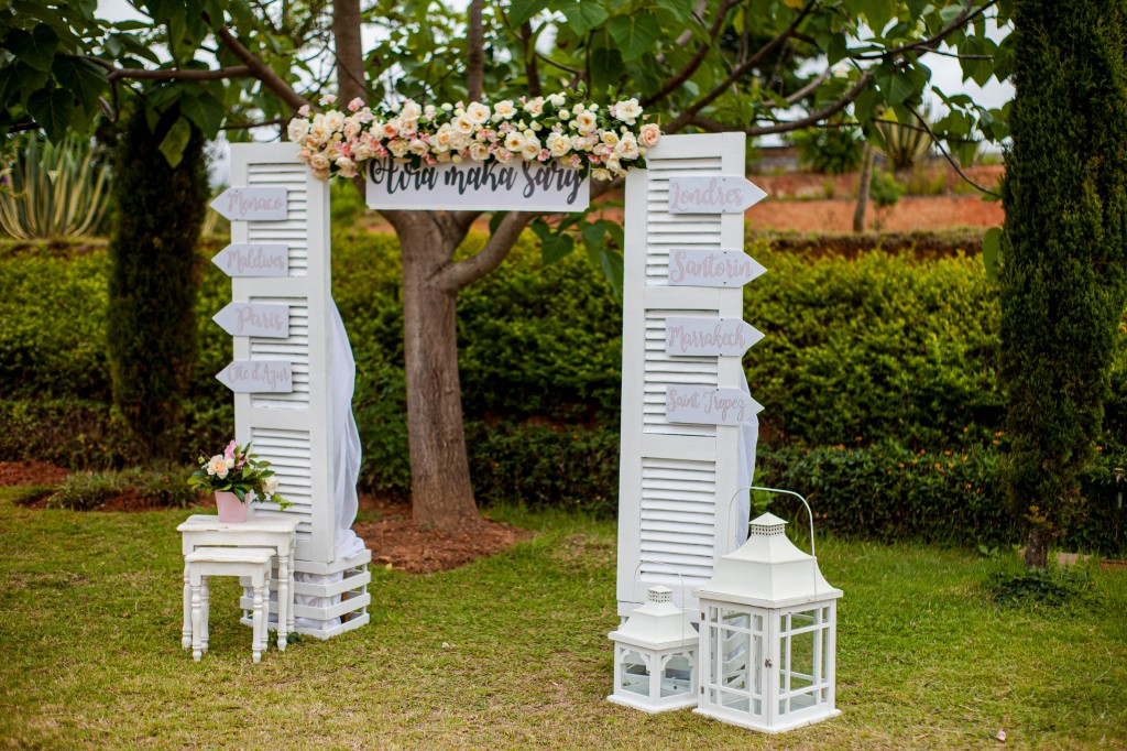 Décoration-jardin-espace-colonnades-Mariage-tahiana&kanto-photosary (2)