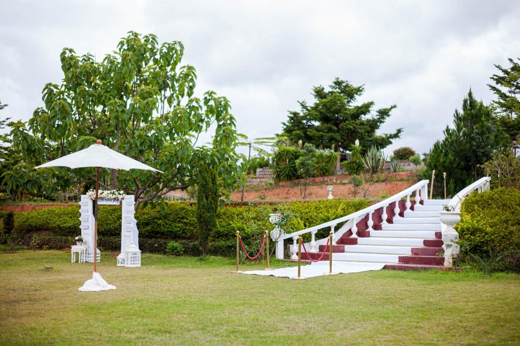 Décoration-jardin-espace-colonnades-Mariage-tahiana&kanto-photosary (6)
