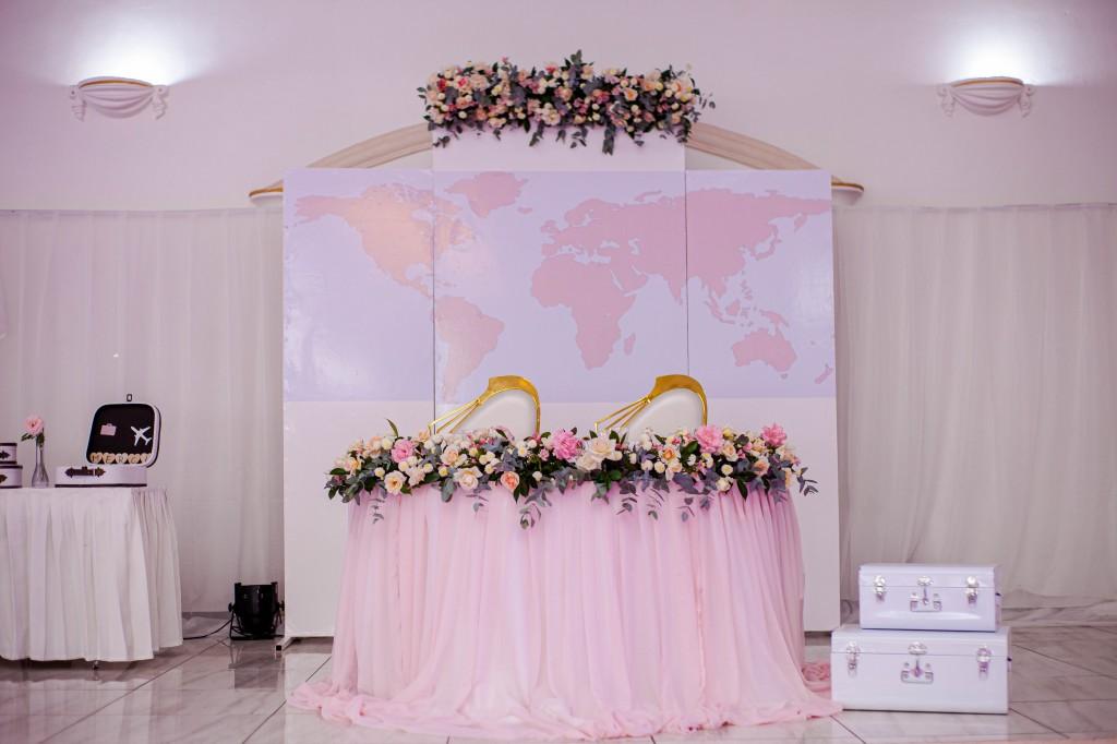 Décoration-salle-espace-colonnades-Mariage-tahiana&kanto-photosary (3)