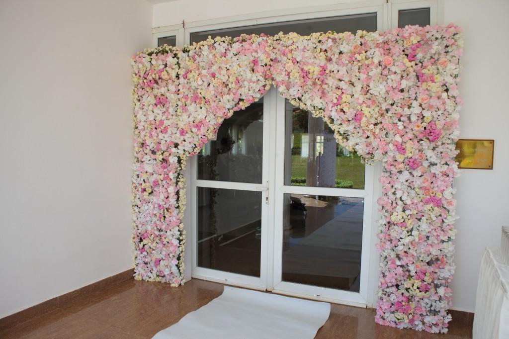 Décoration-salle-réception-Colonnades-mariage-Joda-Sandrah (7)