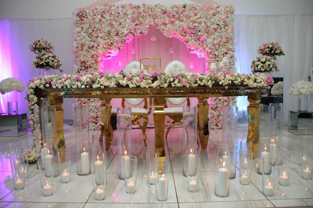 Décoration-salle-réception-Colonnades-mariage-Joda-Sandrah (9)