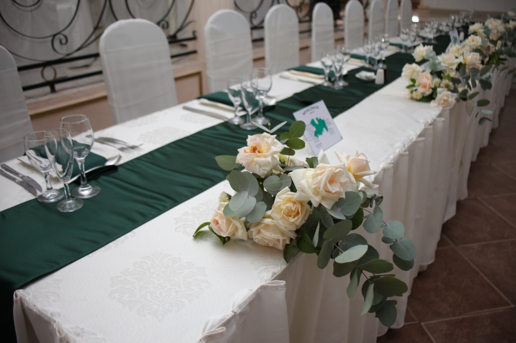 Décoration-salle-réception-mariage-colonnades-Rado & Mihanta (13)