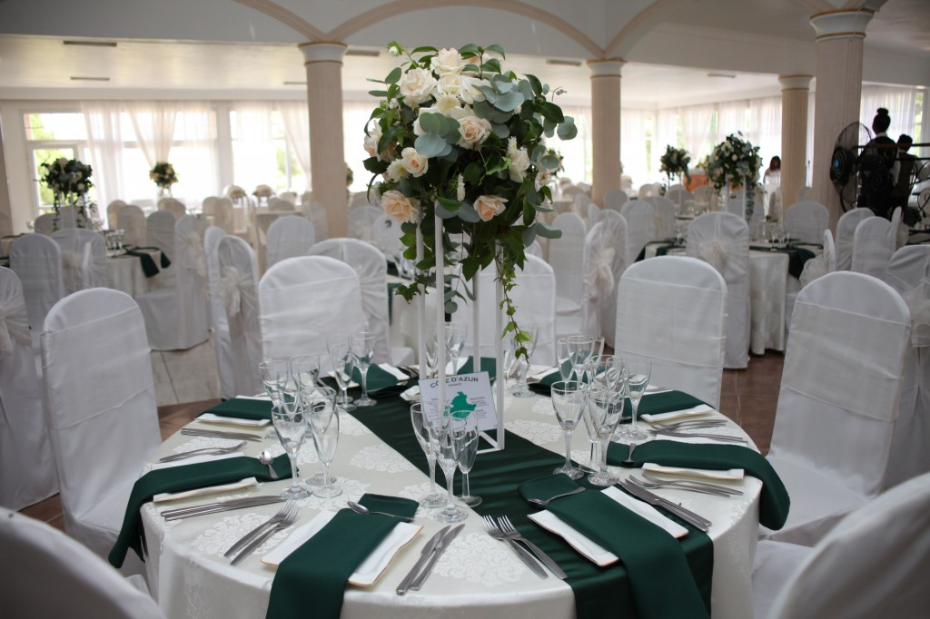 Décoration-salle-réception-mariage-colonnades-Rado & Mihanta (14)