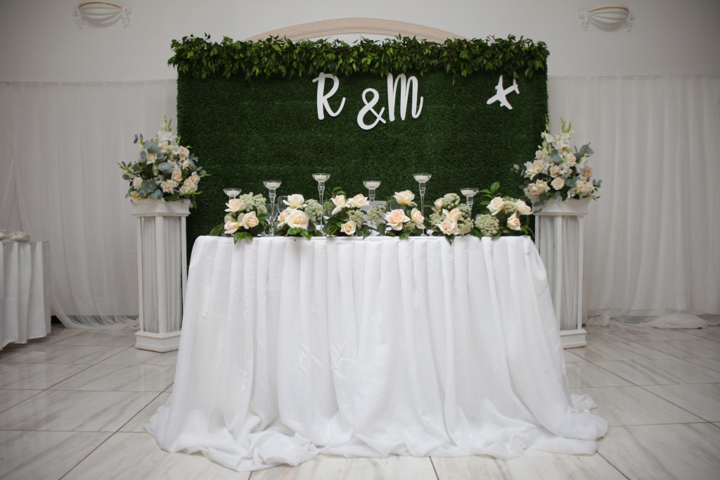 Décoration-salle-réception-mariage-colonnades-Rado & Mihanta (5)