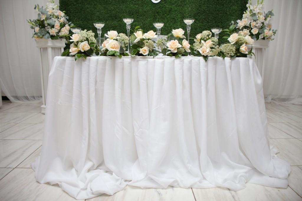 Décoration-salle-réception-mariage-colonnades-Rado & Mihanta (6)
