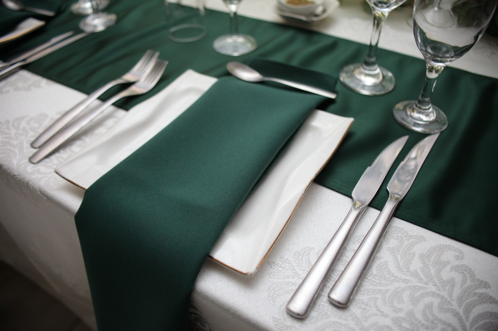 Décoration-salle-réception-mariage-colonnades-Rado & Mihanta (9)