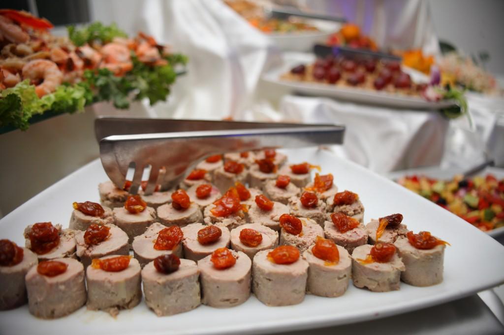 grand-buffet-salle-réception-mariage-colonnades-Rado & Mihanta (5)