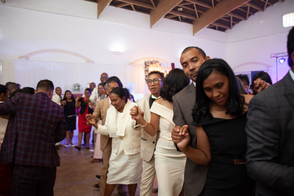 Ambiance-salle-reception-mariage-colonnades- jakina-todisoa (12)