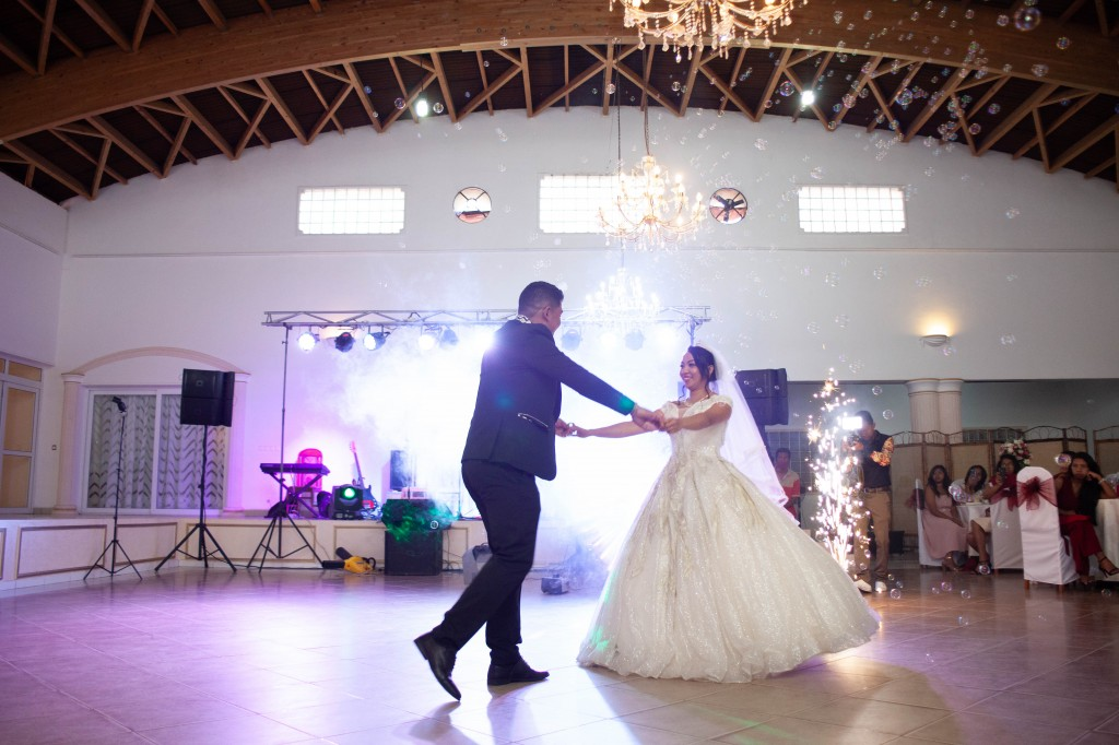 Ambiance-salle-reception-mariage-colonnades- jakina-todisoa (4)